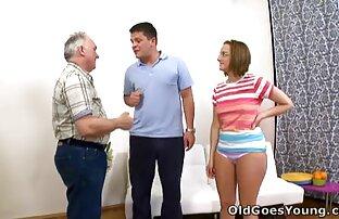 მისი მეუღლე არ დავუშვებთ, რომ ცოლი masturbating ვიბრატორი აბაზანა მას საძინებელი.
