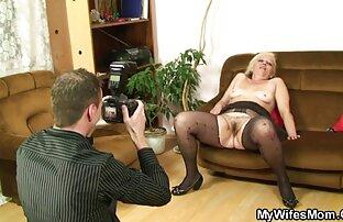 იგი აძლევს ქმარს პირში აღება 10 წუთი და შემდეგ პორნო ვარსკვლავი, სექსაობა სვამს სპერმის.